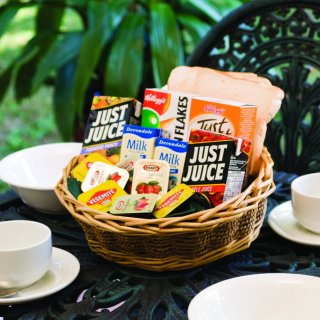 Small Breaky Hamper 1b